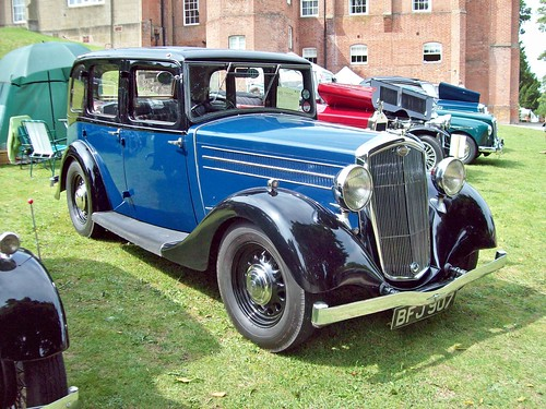 13 Wolseley Fourteen NF (1935-36)