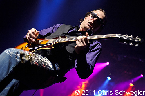 Joe Bonamassa - 03-16-11 - The Heritage Theater, Saginaw, Detroit, MI