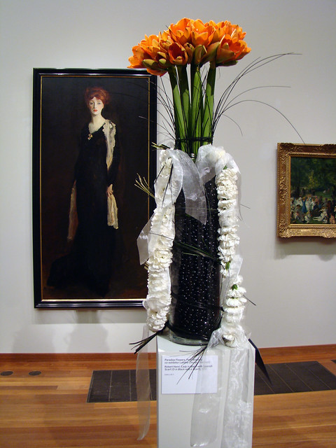 DSC05712 Paradise Flowers - Lady in Black with Spanish Scarf