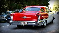 Oldsmobile Super 88 1957. (Papa Razzi1) Tags: 8106 2016 240365 oldsmobile super88 1957 classic americana carmeet august summer vegabaren v8 grandprixraggarbil2016