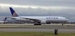United Airlines Boeing 777-200 N222UA (NE Trains & Aviation) Tags: united airlines ual boeing 777 777200 b772 newark new jersey airport kewr ewr