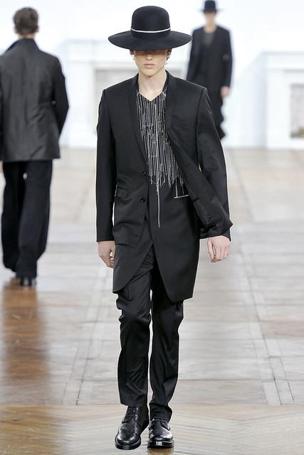 FW11_Paris_Dior Homme026(VOGUEcom)