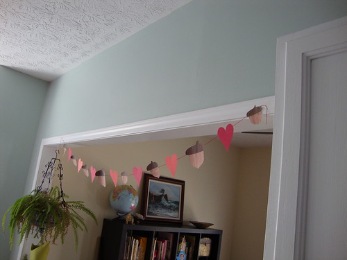 heart and acorn garland