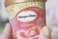 Strawberry ice cream forever (Honey Pie!) Tags: strawberry delicious icecream morango sorvete hagendazs