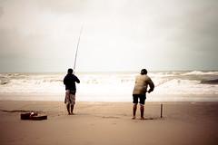 la pescaste, pescado? (lauriten) Tags: costa sc mar fishing pescadores diccionario pescar