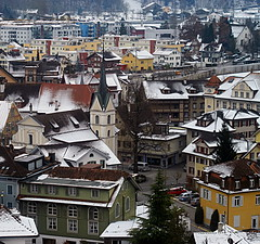 Old and new (Rosmarie Wirz) Tags: switzerland travels getty townscape oldandnew sarnen obwalden dorfplatz oldcentre typicalswisshouses gettyaccepted chapelmarialauretana gettyimagessalq2