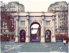 `The Marble Arch (m) Tags: cold london history heart hydepark oxfordstreet winters edgwareroad marblearch pretamanger coffeetime winterdreams englishmonuments acoldafternoon lovehowtheredofpampopsout wintersinlondon englishdreams