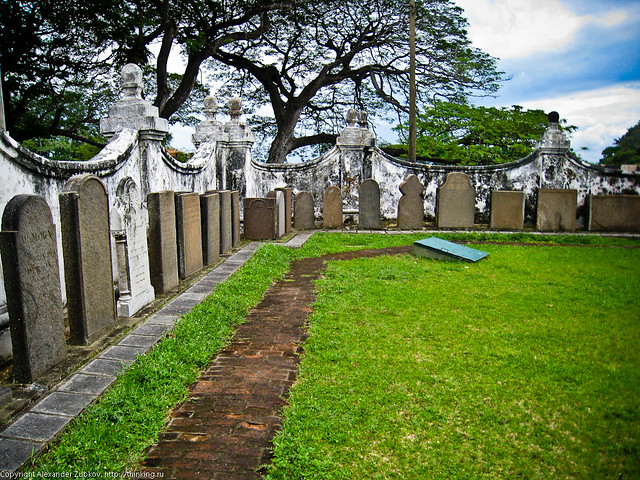 Кладбище при церкви