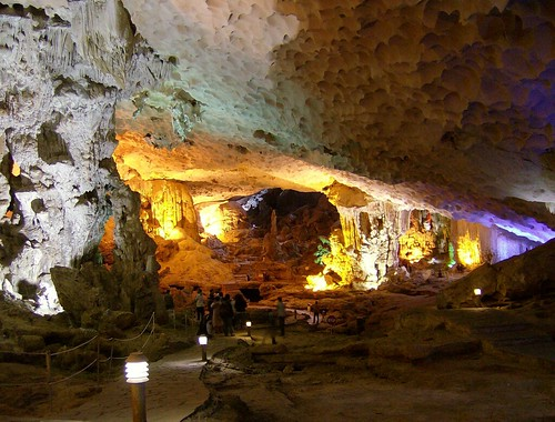 Thien Cung Cave Halong Bay