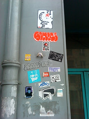 not so dead (erdeurien) Tags: street urban paris art sticker expression rue phot autocollant combo urbain urbaine 2011 akso asone sonick seyar letu kayot rollingfever r2rien