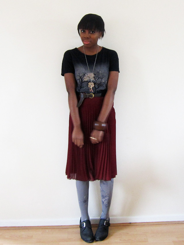 topshop pleated skirt and tee