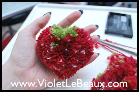 Strawberry Pompom Tutorial