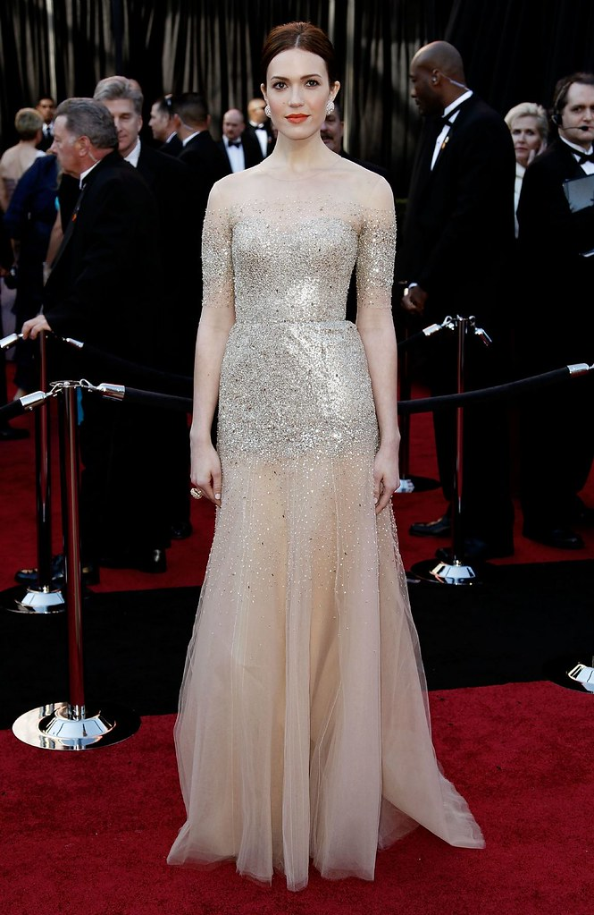 Mandy-Moore-in-Monique-Lhuillier oscar 2011