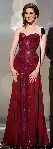 Anne-Hathaway-Oscar-dress4_183