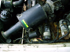 "1991 Range Rover engine bay ""before"" (Baileyusa115) Tags: english engine repair fixing repairing 1991 landrover rangerover 39 v8 enginebay"