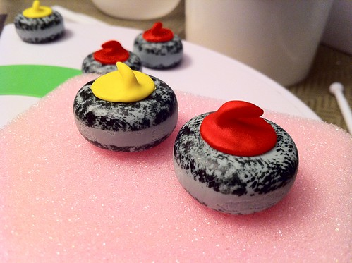 How To Make A Curling Rock Cake