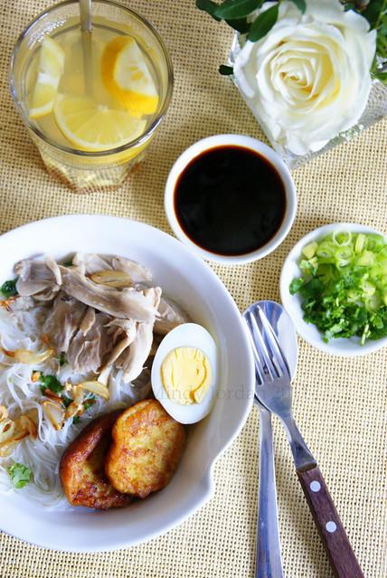 Soto Banjar // Banjarese Chicken Soup