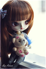 Risa with her Teddy bear (Au Aizawa) Tags: bear japanese chibi dal fashiondoll risa topmodel