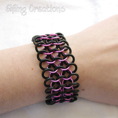 Pink and Black Stretchy Chainmaille Bracelet