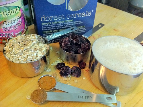 Blackberry Crumble Porridge Ingredients
