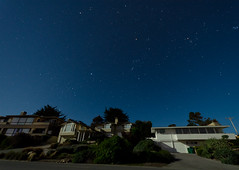 Pebble Beach Night Houses (andreaskoeberl) Tags: longexposure sky house night stars lowlight nikon nightshot tripod wideangle pebblebeach nightsky 1020 starrynight ultrawideangle sigma1020 d7000 nikond7000 andreaskoeberl