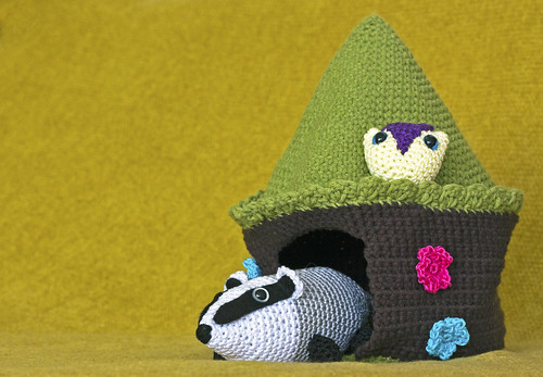 amigurumi howl and badger and their little home