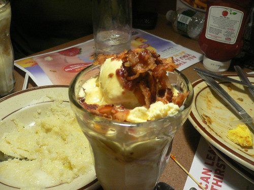 Denny's Maple Bacon Sundae 2