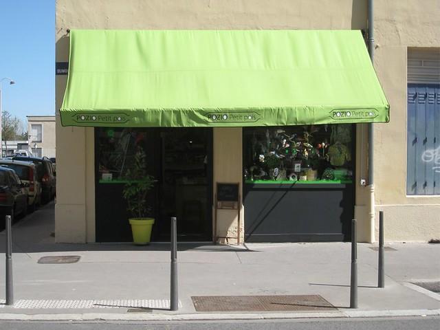 façade bandeau store