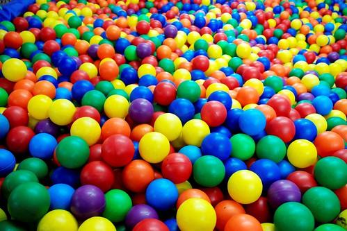 Resultado de imagen de imagen piscina de bolas