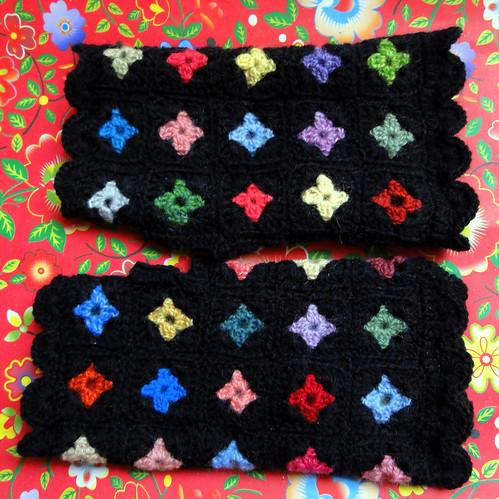 Tiny Granny Squares Mittens
