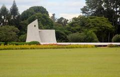 Capela da Alvorada (carlosoliveirareis) Tags: brazil southamerica grass niemeyer brasil df palace presidence whbrasil