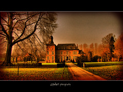 Rullingen castle (Makani_Photography) Tags: park tree castle yard photo belgium prince limburg flanders kasteel ourtime vlaanderen cityart borgloon goldenvillage greatphotographers rullingen canonpowershotsx1is kingdomphotography keytoperfection makaniphotography masterclasselite