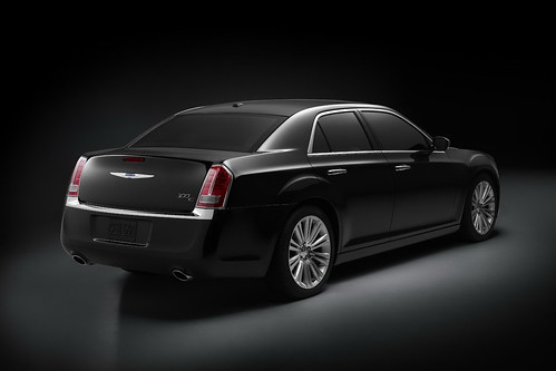 2011 Chrysler 300 Road Test & Pictures