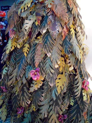 TREND: paper fashion
