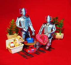 Valentine's Picnic (gibbspaulus) Tags: classic toy doll day who character valentine doctor figure valentines tardis cyberman cybermen options
