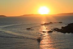 IMG_1059 (susonagger) Tags: costa sol atardecer mar barco galicia puesta pesca isla ons pontevedra cies