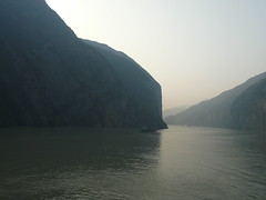 Yantze river - China () (h2ooo2h) Tags: china sunset mountain river hubei yantze