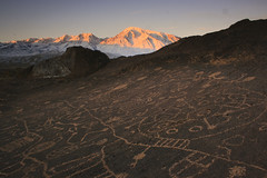 Sunrise over Big Sky Petroglyph (Alex Pollini) Tags: california unitedstates basin bigsky petroglyph bishop alpenglow mttom skyrock