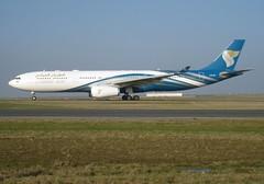 A40-DD, 343E, cn 1063, Oman Air, CDG/LFPG, 2011/01/30 (AlainDurand) Tags: airbus oma airlines a330 airliners cdg oas wy jetliners airbusa330 lfpg a330300 airbusa330300 omanair cn1063 airlinesofasia a330343e alaindurand parisroissycharlesdegaulle airlinesofthemiddleeast a40dd airlinesofthesultanateofoman