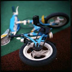 (19/77) Tags: slr 120 film bicycle mediumformat malaysia singlespeed 1977 negativescan kiev88 autaut canoscan8800f arsat80mmf28 myasin