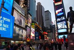 Times Square (Gilmar Hermes) Tags: nyc newyorkcity usa ny newyork america amrica unitedstates manhattan unitedstatesofamerica eua timessquare northamerica bigapple estadosunidos nuevayork urbaine eeuu novayork larue statiuniti etatsunis theatredistrict jav amricadonorte estadosunidosdaamerica vereinigtestaaten vereinigtestaatenvonamerika lamrique  verenigdestaten stanyzjednoczone       lamriquedunord tatsunisdamrique   nikonflickraward  stitaontaithemheirice  istatiuniti