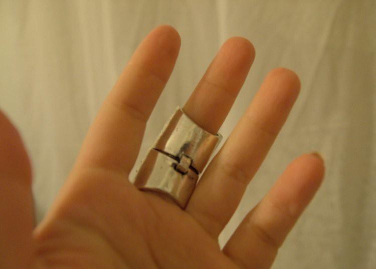 Little Fashion Bird ModToast knuckle ring