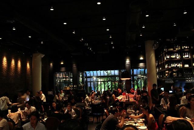 Kwong Eats ....: Trendy Wine Bar @ Wine I Love You, Bangkok