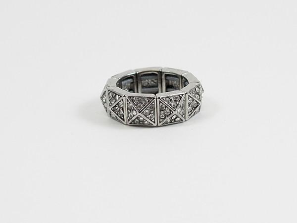 Ann Taylor Ring 3 600