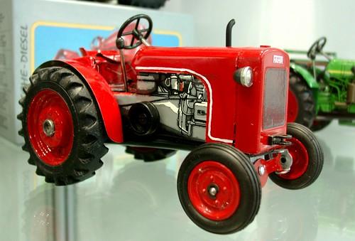 Kovap Fahr tractor