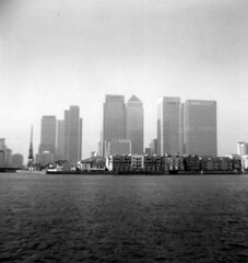canary wharf (jeyku) Tags: bw london 120 film thames mediumformat blackwhite holga lomo 120film fujipet