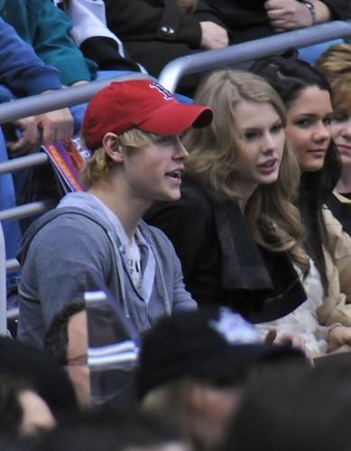 gjorde akkord Overstreet dating Taylor Swift Asiatisk Dating i London