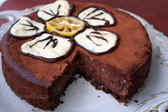 Torta fondente al cioccolato e limone