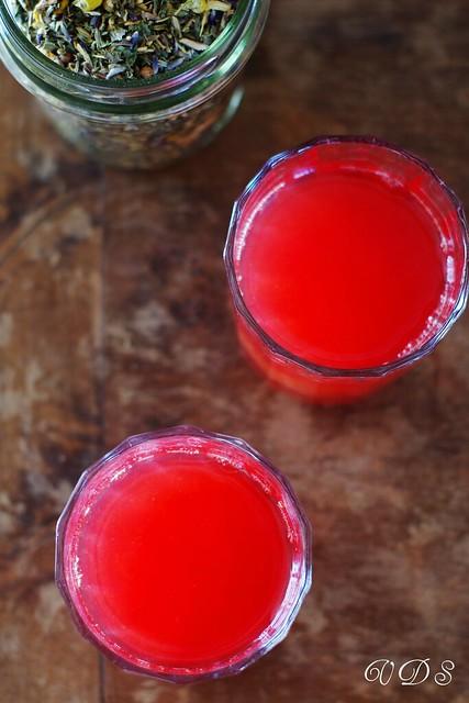 Blood orange juice with tea flowers