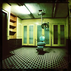 The Haunted Hospital - Interior (genshi) Tags: hauntedhospital iphone4 johnslens iphoneography hipstamatic canocafenolfilm